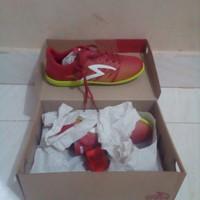 sepatu futsal specs apache in dark red