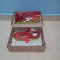 Sepatu futsal Specs APACHE IN DARK RED/ukrn 41