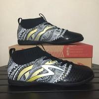 sepatu Futsal Specs Heritage IN Black Gold White 400750 Original BNIB