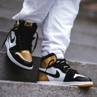 Sepatu Nike Air Jordan 1 Retro High OG Black Gold White Hitam Emas