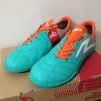 Model Sepatu Futsal Specs Equinox In Comfrey Green Orange 400712