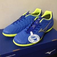 Sepatu Futsal Mizuno P1GF188509 Rebula V3 In Strong Blue Silver Safety