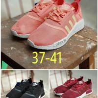 Sepatu Adidas NMD R1 Unisex NMD R1 Black Pink Maroon