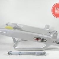 Arem Motor Jupiter Z Merk Super Track Warna Silver Model Stabiliser