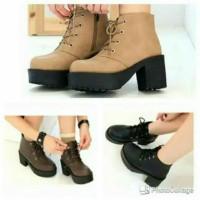 DS - sepatu sneakers casual polos simpel boot heel docmart MUGELLO