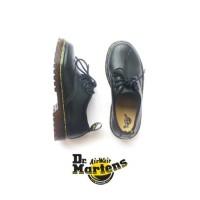 Sepatu docmart anak hitam murah