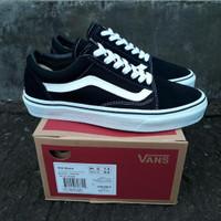 Sepatu Vans Oldskool Black White Sneakers Pria Skate Sekolah Kasual