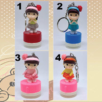 custom stamp / stempel nama Gantungan kunci karakter Bandana Girl