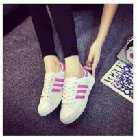 Trending Sepatu Kets Replikas Adidas Putih Plat 3 Fanta / Pink