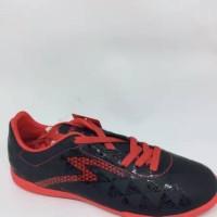 Sepatu futsal Specs quark in black emperor red