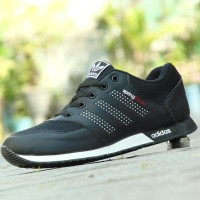 Sepatu Sport Adidas Springblade Unrazor / Hitam Putih / Sekolah Santai