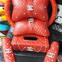 Set chanelll bantal mobil sarung stir tempat tissue belt cover merah