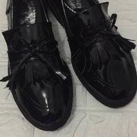 Sepatu Docmart Flats Kets Wanita Kulit PU Pita Cokelat Lucu Slipon