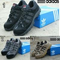Sepatu Boots Pendek Low Boots Pria Sepatu GUnung Ujung Besi Adidas