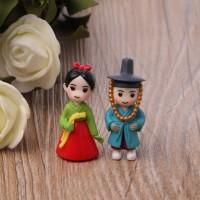 Miniature Korean Lover Figures (2pcs)