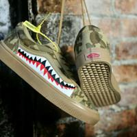 Sepatu Vans Oldskoll X Bape Shark Premium Edition