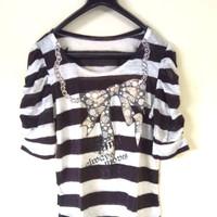 Baju Atasan belang hitam putih