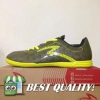 DribbleShop Sepatu Futsal Specs Quark IN Olive Zest Green 400778 Orig