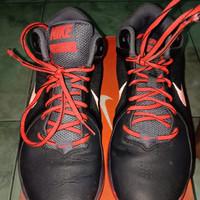 Sepatu basket nike the overplay VIII