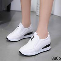 Sepatu Olahraga Wanita Sneaker Kets Slip on : Vic 675