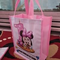 Goodie Bag Custom Tas Souvenir Ulang Tahun Ultah Minie mouse Ukuran B