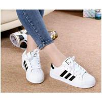 Sepatu Sneakers Adidas Putih Garis Hitam