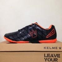 NAO katalog terbaru Sepatu Futsal Kelme Star 9 Black Orange 5501-03 Or