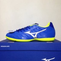 NAO katalog terbaru Sepatu Futsal Mizuno Rebula V3 IN Strong Blue P1GF