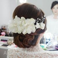 Wedding white flower hairpieces hiasan sanggul pengantin konde modern