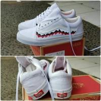 sepatu vans oldskool X bappe premium import bnib cowok putih casual