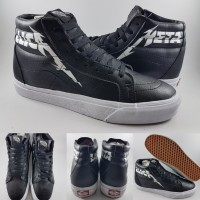 Sepatu Kets Vans SK8High X Metallica Leather Black White Hitam Putih S