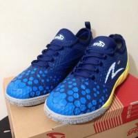 NP Sepatu Futsal Specs Metasala Knight Galaxy Blue Yellow 400731