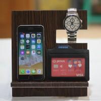 Dudukan Handphone / Smartphone Docking / Pajangan Kayu Oak Tua
