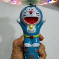 Mainan Doraemon baling baling ada musik dan lampu
