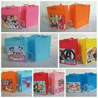 Goodie bag ulang tahun spounbond/goodiebag ultah murah/souvenir tas