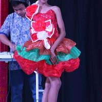Baju pesta natal fashion show