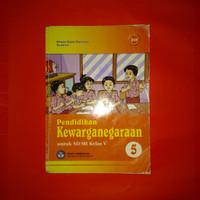 Buku pelajaran pendidikan kewarganegaraan SD kelas 5 BSE