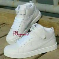 Sepatu murah sneakers nike snowy putih polos md60