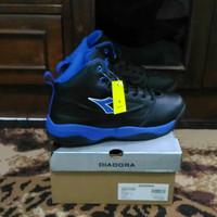 Sepatu Basket Diadora Biru hitam