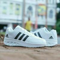 sepatu wanita adidas putih garis hitam afh