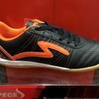 Sepatu futsal Specs Horus original black/orange black orange