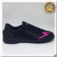 [KS] Sepatu futsal specs Accelerator exocet in black beat magenta 2018