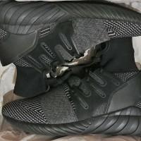 Sepatu Pria Adidas Tubular Doom PK-C Black Grey BY3131 Size 42