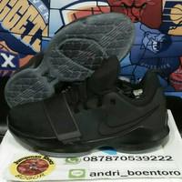 Sepatu basket nike pg 1 triple black