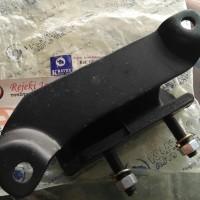 Karet Engine Mounting Tengah Corolla Twincam AE92 Manual