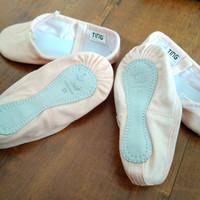 sepatu ballet anak dan dewasa canvas merk Ting