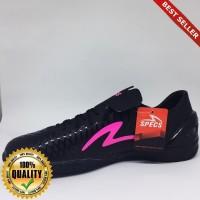 O-Outdoor Sepatu futsal specs Accelerator exocet in black beat magenta