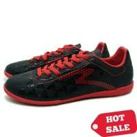 Sepatu Futsal Specs Quark IN (Black/Emperor Red)