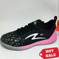 Sepatu Futsal Specs Metasala knight (Black Dark Granite maiden)