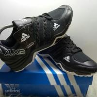 Sepatu Adidas AX2 produk lokal unggulan hitam lis putih.